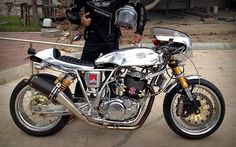 SR  CAFE RACER
