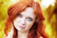 Resultado de imagem para garota ruiva com olhos azuis