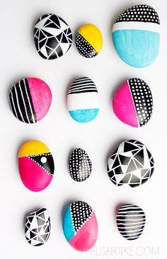 האבנים המתגלגלות בלוג: הכל טוב ציור על חלוקי נחל http://www.hakoltov.com/2015/01/blog-post.html#.VdB3Ffmqqko