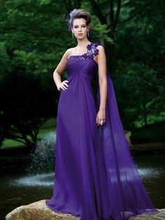 One shoulder A-line chiffon bridesmaid dress Why have none of my bridesmaid dresses ever looked this glamorous? Cute Wedding Dress, Fall Wedding Dresses, Colored Wedding Dresses, Wedding Gowns, Dream Wedding, Bridesmaid Dresses, Prom Dresses, Purple Wedding, Wedding Bridesmaids