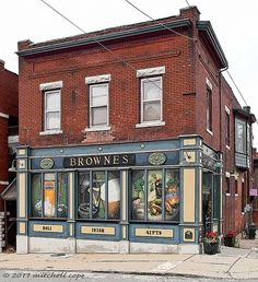 Brownes....Neighborhood pub, gift shop, and deli.....Kansas City Missouri. Amazing Sandwiches!