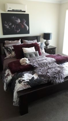 Styling With Items From Kmart Room Decor In 2019 – Inspo – einrichtungsideen wohnzimmer Maroon Bedroom, Burgundy Bedroom, Bedroom Neutral, Neutral Bedding, Burgundy Bedding, Room Ideas Bedroom, Home Decor Bedroom, Living Room Decor, Decor Room