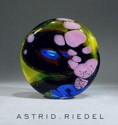 "Astrid Riedel Glass Artist: ""Smile"""