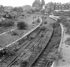 An absence of trains Cowes Station, Isle of Wight, August 1970 - after four and half years of closure Abandoned Train Station, Old Train Station, Derelict Places, Abandoned Places, London Underground Train, Disused Stations, Railroad History, Rail Transport, Holland