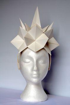 Children and Young Paper Fashion, Origami Fashion, Origami Hat, Caroline Reboux, Geometric Fashion, Body Adornment, Fancy Hats, Recycled Fashion, Fabric Manipulation
