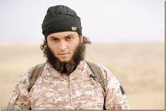 El Estado Islámico recluta y entrena a terroristas occidentales a través de juegos bélicos online - http://www.leanoticias.com/2014/11/27/el-estado-islamico-recluta-y-entrena-a-terroristas-occidentales-a-traves-de-juegos-belicos-online/