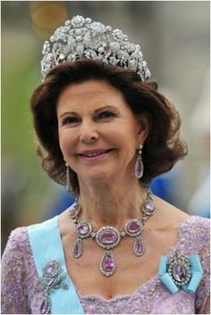 Amazing tiara! The royal collection - Royal tiaras - Queen Silvia.jpg