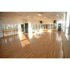 Natural sunlight into the studio Dance Studio Fitness Studio Gym Pole Dance Studio, Dance Rooms, Function Room, Dream Studio, Party Venues, Fitness Studio, Luxury Homes, Interior Design, House