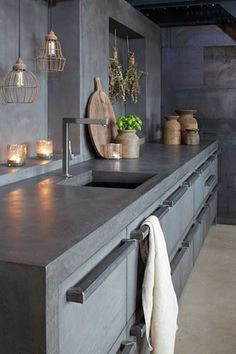 Concrete Kitchen Design Combine MOLITLI creative designs with top German kitchen supplier's superior quality materials and what do you get? The perfect mix of an all-original, highly innovative, unique and trendy, awe-inspiring kitchen concept! Kitchen Interior, New Kitchen, Kitchen Dining, Kitchen Decor, Design Kitchen, German Kitchen, Kitchen Grey, Stone Kitchen, Kitchen Wood