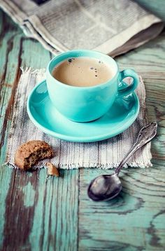 I need a turquoise coffee cup <3 please :D