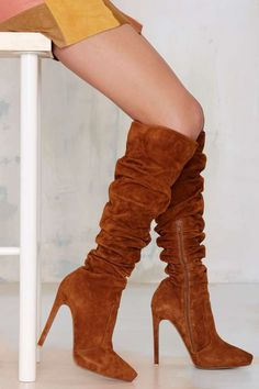 Suede Boots in Chestnut