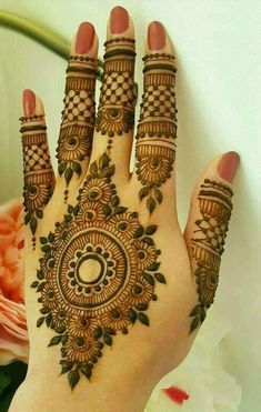 Beautiful Mehndi Design - Browse thousand of beautiful mehndi desings for your hands and feet. Here you will be find best mehndi design for every place and occastion. Quickly save your favorite Mehendi design images and pictures on the HappyShappy app. Henna Hand Designs, Dulhan Mehndi Designs, Mehandi Designs, Mehndi Designs Finger, Back Hand Mehndi Designs, Mehndi Designs For Beginners, Modern Mehndi Designs, Mehndi Design Pictures, Mehndi Designs For Girls