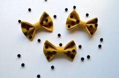 Tiny pom fabric bow