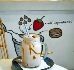 Hello Monday let's brighten up this gloomy day with @CreameryBali's thick milkshakes.  This is one of our favorites here the Dulche de Leche milkshake with sweet and caramel flavors. Ready to make your day brighter? --- Creamery Nitrogen Ice Cream Jl. Pantai Berawa Canggu Bali --- #foodcious #creamerybali #milkshakes #caramelmilkshake #canggu #canggulife #canggudessert
