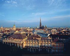 Viena, capital da Áustria. A cidade recebe 5 milhões de visitantes / ano, e é também uma grande enciclopédia viva do design.  Fotografia: Corbis / Latinstick.  http://casavogue.globo.com/LazerCultura/Viagem/noticia/2013/11/10-destinos-de-viagem-imperdiveis.html