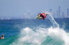 Snapper Rocks this morning. #surfing #surfphotos #surfphotography #photoshoot #surfingaustralia #surfingqueensland #thisisqueensland #queensland #quiksilver #wsl #canon #canon_photos #canonaustralia #goldcoast #snapperrocks #coolangatta #surfer #waves #action #sports #australia #summer #sea #ocean #surf #visitgoldcoast by glennreevesphotos