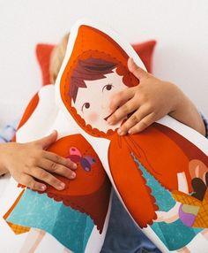 Cojines inspirados en los cuentos infantiles, Mooiesbonito - Mamidecora http://www.mamidecora.com/complementos-cojines-de-cuento-mooi.html