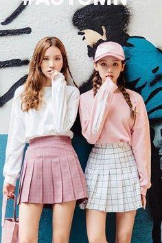 Korean Fashion – How to Dress up Korean Style – Designer Fashion Tips Korean Fashion Trends, Korean Street Fashion, Korea Fashion, Kpop Fashion, Cute Fashion, Asian Fashion, Teen Fashion, Fashion Looks, Fashion Outfits