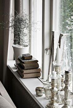 Fensterbank deko ideen fensterbank stilvoll kerzen bücher pflanze How To Care For Silk Sheets Articl Decor, Window Ledge Decor, Window Sill Decor, Bay Window Decor, Window Decor, Window Sill, Ledge Decor, Stylish Decor, Home Decor