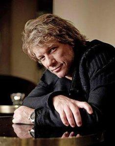 Jon Bon Jovi - I know, I know, another pic of JBJ. he's handsome! Jon Bon Jovi, Bon Jovi Live, New Jersey, Jersey Boys, Bon Jovi Pictures, Dorothea Hurley, Bon Jovi Always, Jesse James, Dream Guy