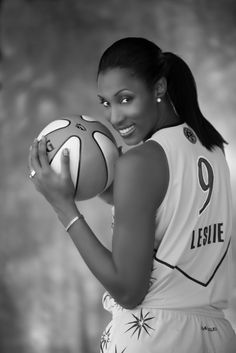 Lisa Leslie was the first woman to dunk a basketball in a game. And wear lipstick during every match. Female power on the court.
