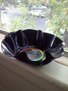 fun music party serving bowl.