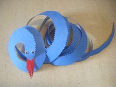 serpiente con material reciclado