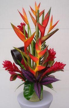 arreglo floral tropical