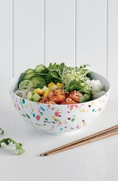Nger in a bowl and will never been so exciting! We first enjoyed these dishes at the restaurant. Poke Recipe, Cooking Recipes, Healthy Recipes, Easy Recipes, Poke Bowl, Cook At Home, Special Recipes, Summer Recipes, The Help