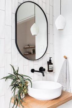 Bathroom Mirror Ideas for Small Bathroom - Unique & Modern Designs Life-changing contemporary bathroom mirror ideas // bathroom vanity mirror lighting ideas Black Sink, Black Vanity, Black Mirror, Black Taps, Minimal Bathroom, Bathroom Black, Minimalist Small Bathrooms, Gray Bathrooms, Parisian Bathroom