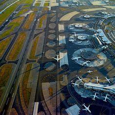http://blogs.lesinrocks.com/plein-ecran/2013/05/16/flying-aeroports-vus-du-ciel/