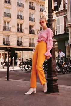 Flawless Summer Outfits Ideas For Slim Women That Looks Cool - Oscilling Mode Chic, Mode Style, Style Me, Bold Fashion, Colorful Fashion, Autumn Fashion, Fashion 2018, High Fashion, Orange Fashion