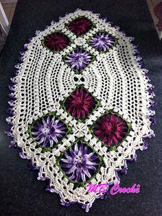 MB Crochê: Caminho de mesa oval flores