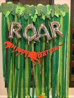 may birthday party Dinosaur First Birthday, Park Birthday, Third Birthday, Dinosaur Party, 4th Birthday Parties, Birthday Fun, Birthday Ideas, Festa Jurassic Park, Decoration