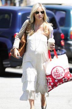 Pregnant Sarah Michelle Gellar's Maternity Style