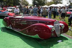 1939 Delahaye Type 165 Figoni & Falaschi-Delahaye - not a place, but this could be Muzzlehatch's car as I imagine it, even down to the colour.