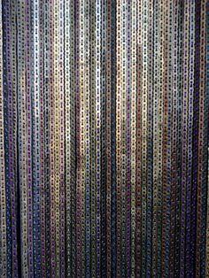""" DE MATHAJI PARA MATHAJI "": cortinas de material reciclado -  lacre de latinhas e fitas"