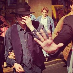 ♥ Michael Jackson ♥ I seriously love his outfit here!