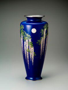 Pottery Painting Designs, Paint Designs, Meiji Restoration, Taisho Era, Japanese Vase, Japanese Beauty, Arabesque, Art Techniques, Flower Vases