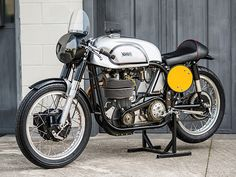 'Looking for the Norton MANX of your dreams? There are currently 3 Norton MANX bikes as well as hundreds of other classic motorcycles, cafe racers and racing bikes for sale on Classic Driver. Triumph Scrambler, Triumph Motorcycles, Indian Motorcycles, British Motorcycles, Vintage Motorcycles, Moto Guzzi, Guzzi V7, Ducati 998, Ducati Sport 1000