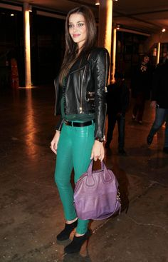 Ana Beatriz in green leather trousers