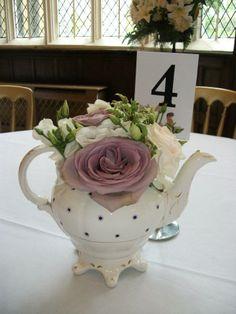 Very vintage table centrepiece by Gorgeous Floral Design Vintage Table Centerpieces, Wedding Sets, Wedding Flowers, Floral Design, Scene, Weddings, Beautiful, Vintage Centerpieces, Floral Patterns