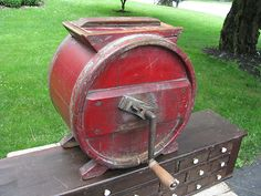ANTIQUE WOODEN BARREL BUTTER CHURN / OLD RED PAINT