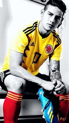 James Rodriguez w Reprezentacji Kolumbii z butami piłkarskimi Adidas Football Boys, Football Memes, Neymar, World Handsome Man, James Rodriguez Colombia, James Rodriquez, Colombia Soccer, James 10, Equipe Real Madrid