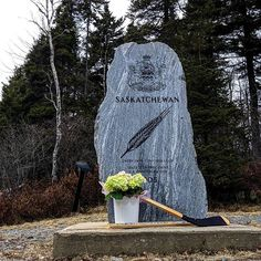 To honour those lost in the horrific bus accident that took the lives of sixteen players and staff of the Humboldt Broncos on April 2018 ♥ from Tribute found in Rockwood Park Saint John at the Saskatchewan Stone. Canada is one large hockey arena. Hockey Party, I Am Canadian, Canada, Saint John, Hockey Teams, Pittsburgh Penguins, In Loving Memory, Broncos, Easy Drawings