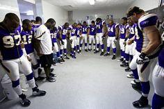 Minnesota Vikings Praying