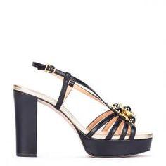 Sandalia plataforma Pedro Miralles piel negra y joya delantera con pulsera #shoes #shoeporn #peeptoes #trends #ss16 #shoes #pedromiralles #shoeaddict #madeinspain