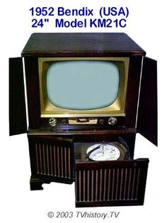 The open drawer is a record changer for music. Vintage Television, Television Set, Vintage Records, Vintage Tv, New Things To Learn, How To Memorize Things, Tv On The Radio, Tv Radio, Radio Record Player