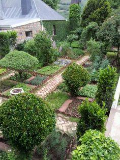 Edible Landscaping: Kitchen #Garden | jardin potager | bauerngarten | köksträdgård