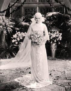 http://myvintagevogue.com/gal/plog-content/images/myvintagevogue/bridal/paulette-goddard-1932.jpg